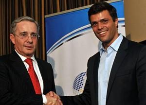 Con Uribe, un solo corazón