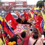 Chávez gana con el 55% de los votos y 22% arriba del candidato opositor