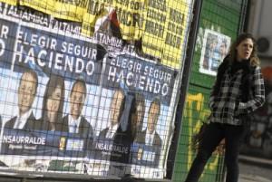 Abren-los-colegios-electorales-para-las-elecciones-primarias-en-Argentina-400x268