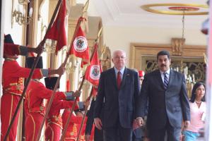 110914 MS Entrega de UNASUR Maduro Samper Surinam 05