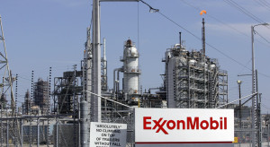 File photo of the Exxon Mobil refinery in Baytown, Texas on September 15, 2008. Exxon Mobil Corp plans to build a multi-billion dollar chemical plant in Texas to take advantage of cheap North American shale gas, according to a U.S. environmental filing seen by Reuters. REUTERS/Jessica Rinaldi/Files. (UNITED STATES - Tags: ENVIRONMENT DISASTER ENERGY BUSINESS)