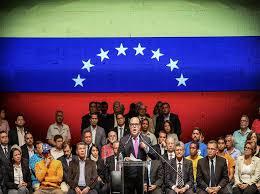 Trump amenaza a Venezuela y la oposición anuncia gobierno paralelo y huelga general/Dura respuesta a EEUU